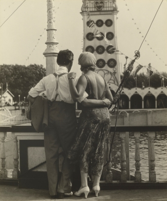 Couple at Coney Island; Walker Evans, American, 1903 - 1975; 1928; Gelatin silver print; Image: 18.6 x 15.4 cm (7 5/16 x 6 1/16 in.); 84.XM.956.464