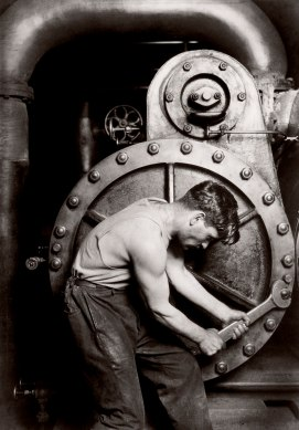 hine_lewis_mechanic-1920