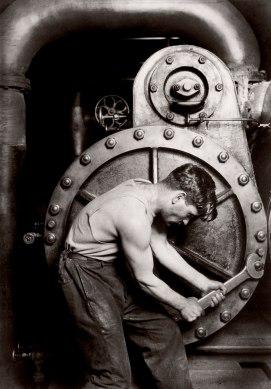 hine_lewis_mechanic-1920